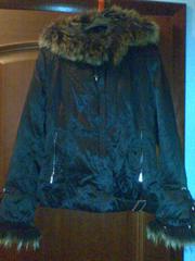 Продам б/у куртку утепленную